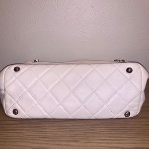 CHANEL Bags - Chanel Grand Caviar Shoulder Bag